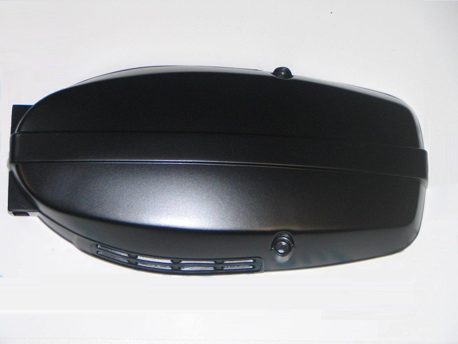 Tapa alternador negra